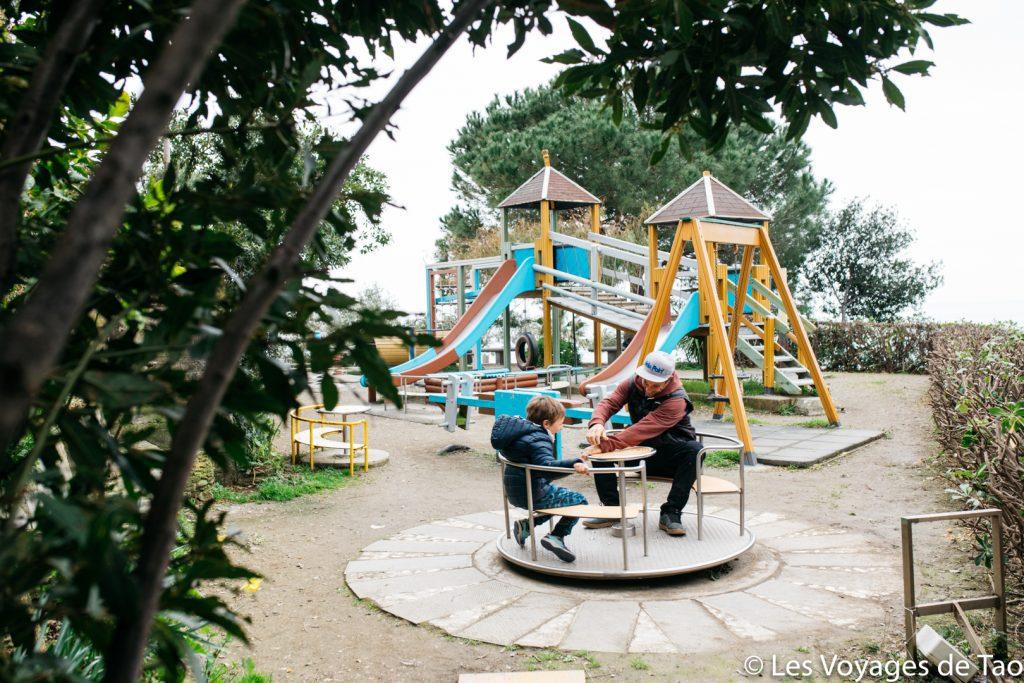 Manarola avec des enfants