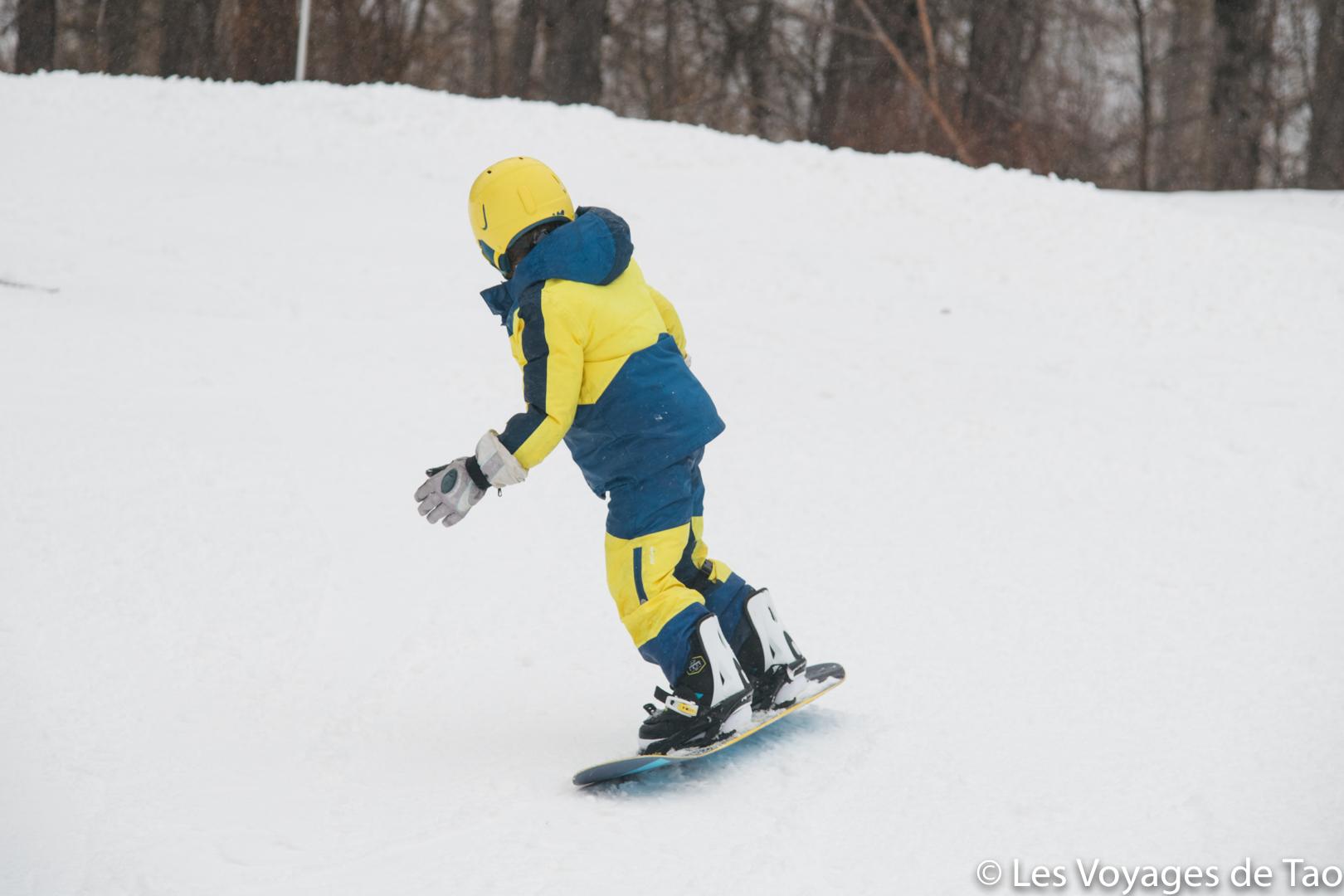 apprentissage snowboard pour un enfant