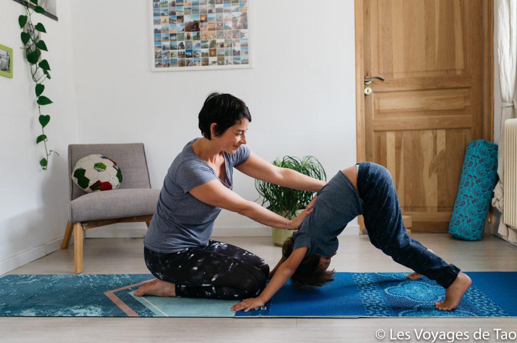 Comment débuter le yoga avec son enfant