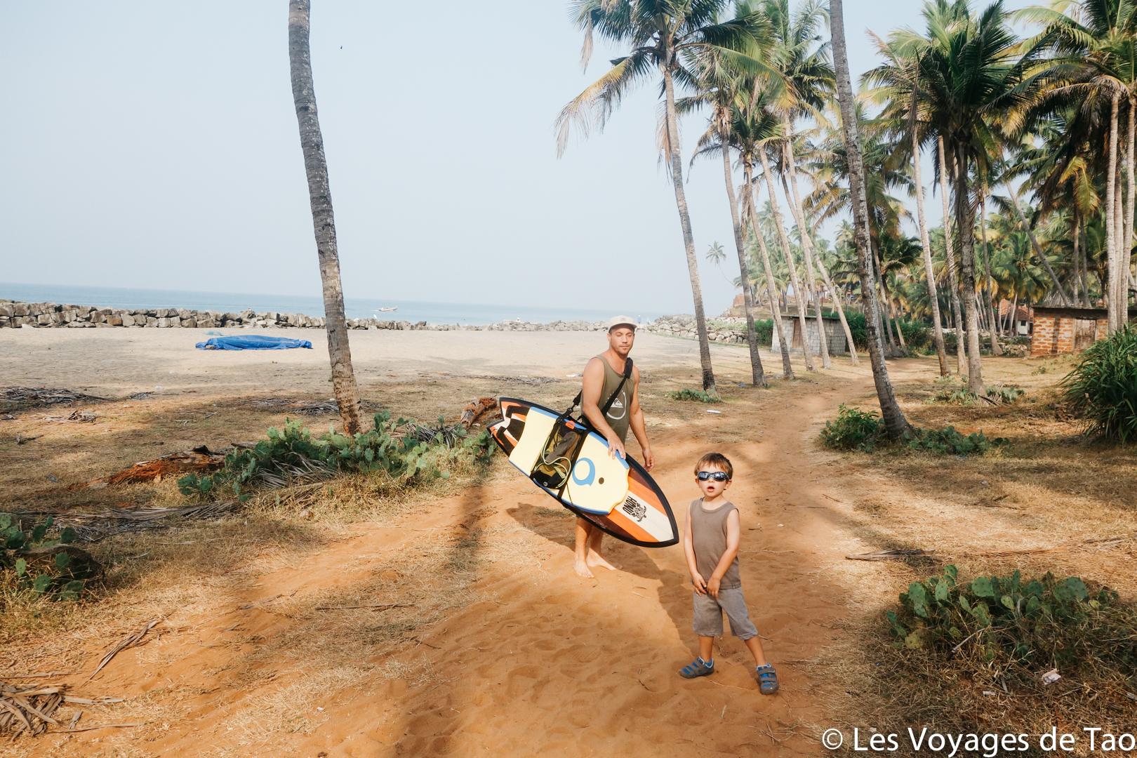 Blog voyage en famille - surfer en Inde