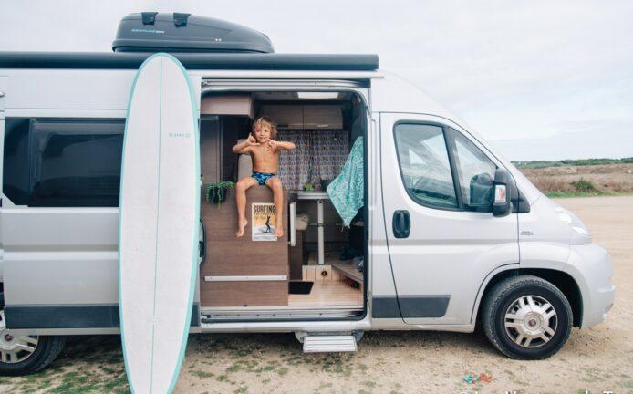 Choisi du camion Vanlife en famille