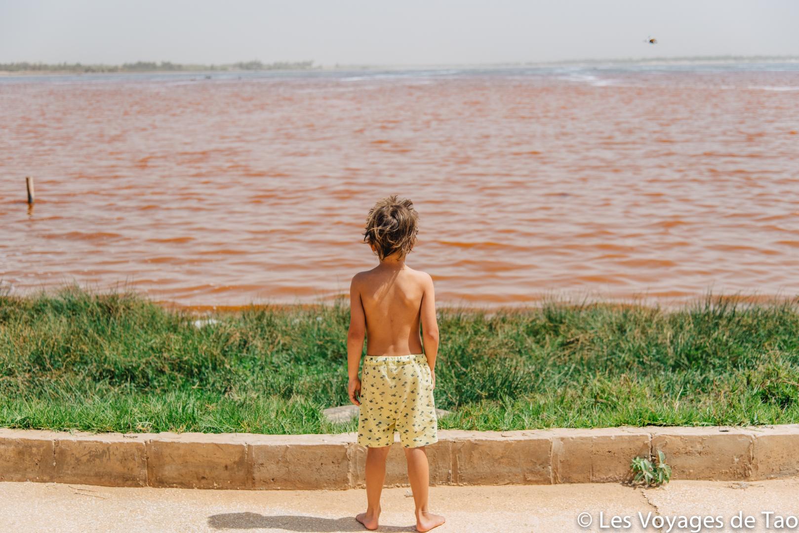 Lac rose en famille, Sénégal - Les Voyages de Tao