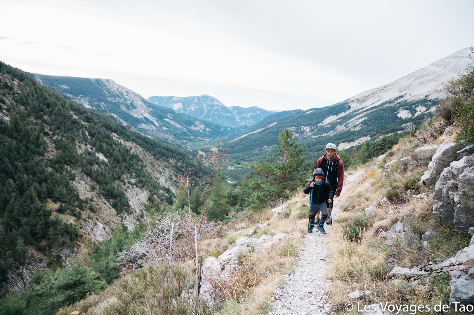 Randonnée en famille alpes de haute provence