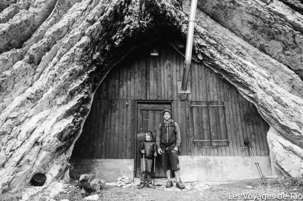 Cabane de boule en famille
