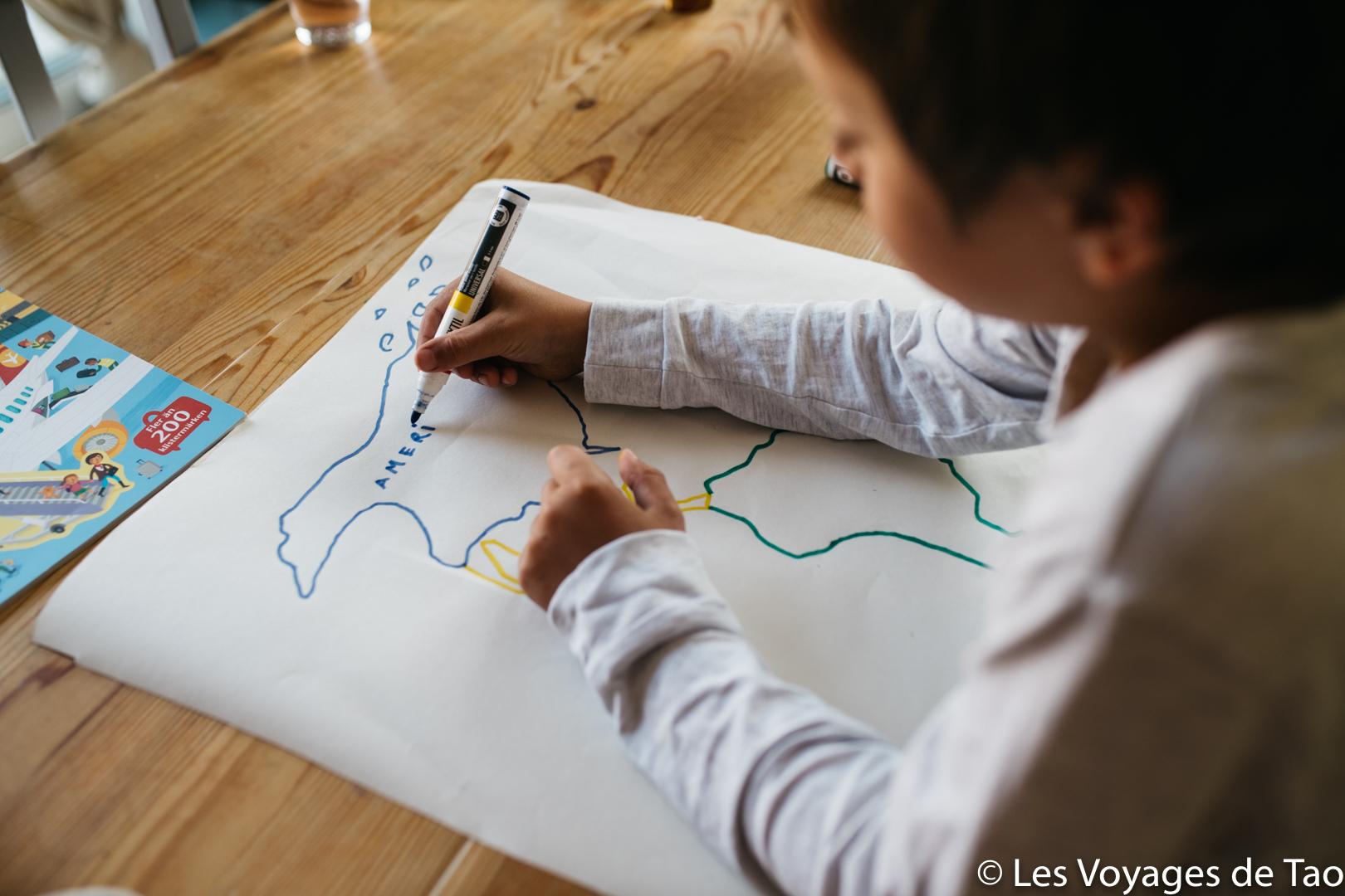 Fabriquer une carte du monde avec son enfant